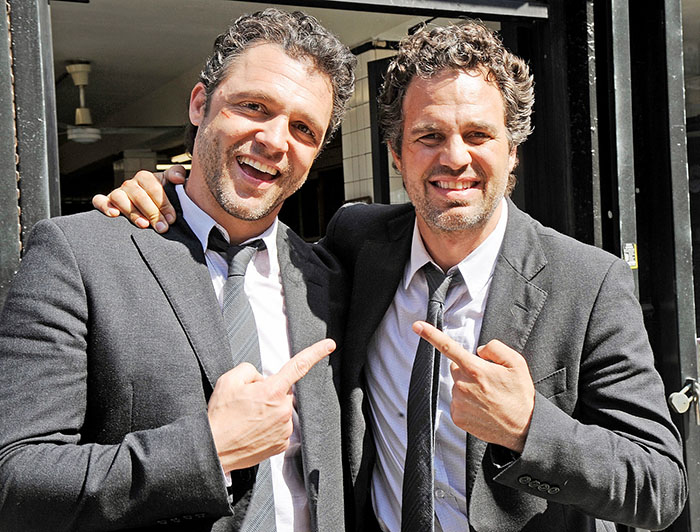 Mark Ruffalo (Hulk) and his stunt double Anthony Molinari