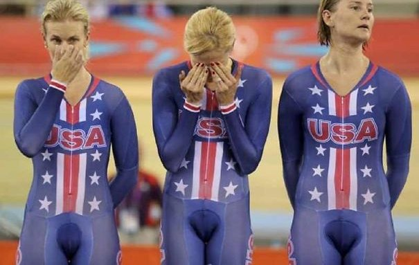 20 Epic Clothing Fails We Can't Believe Actually Happened